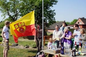 Fahne hoch zu Ostern - am Opferstein