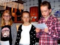 Unterhielten die Versammlung mit Plattdüstsk-Döntges - Neele Kröger, Hannah Korten, Sophia Schmitz,
