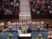 Kölner Dom: Priesterweihe am 23. Juni 2017 (4. Neupriester v.li. Michael Stärk)