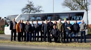 18 Teilnehmer stellten sich bei Abfahrt in Börger einem Fotografen