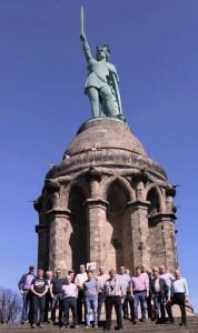 vor dem Aufstieg auf das Denkmal