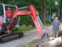 Verlegen der Anschlüße mit Hilfe des Bauhofes der Gemeinde